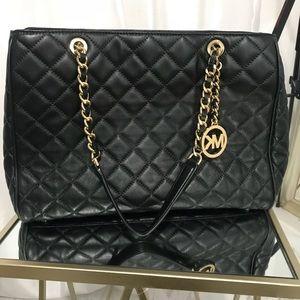Beautiful Micheal kors Savannah quilted bag large